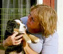 Kim M Kimselius med  sin hund Tola